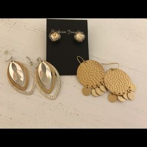Jewelry - Gold dangle and sparkly cocoa post earrings